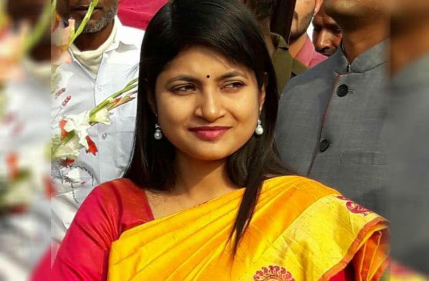 बी चंद्रकला और सपा एमएलसी के खिलाफ ईडी ने दर्ज कराया मुकदमा