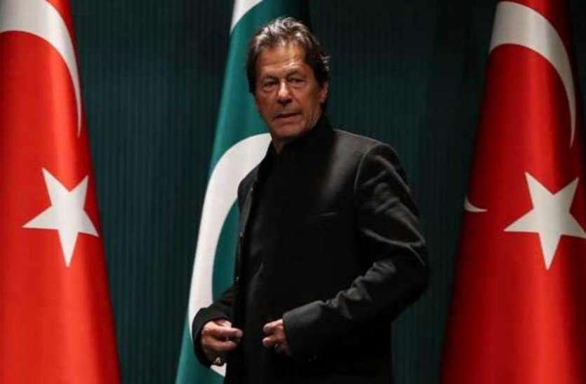 सिंध के मुख्यमंत्री का बड़ा बयान, दुनियाभर में घूमकर भीख मांग रहे हैं इमरान