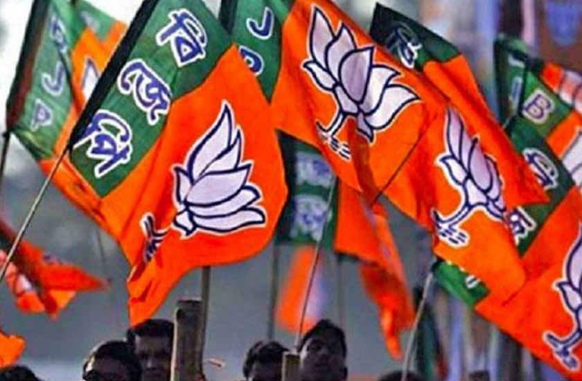 भाजपा के गढ़ में कांग्रेस ने लगाई सेंध, चुनावी मोर्चे पर दो मंत्री