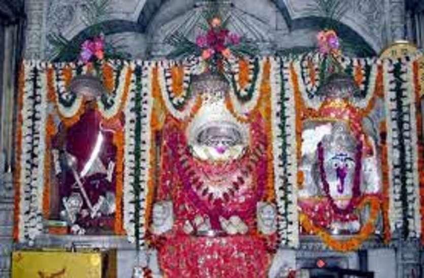 VIDEO: चौथ बरवाड़ा माता मंदिर में आरती का दृश्य ऐसा की भक्तो की लग जाती हे लंम्बी कतार