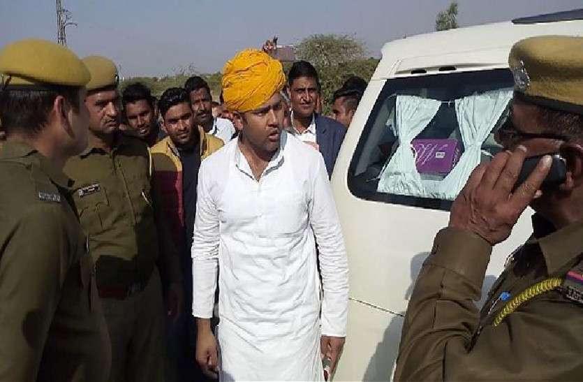 मंत्री ने पुलिस अधिकारियों को जमकर लताड़ा