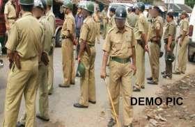 जौनपुर के नेवादा में जमकर हुई फायरिंग, बम भी फेके गए, भारी पुलिस फोर्स पहुंची