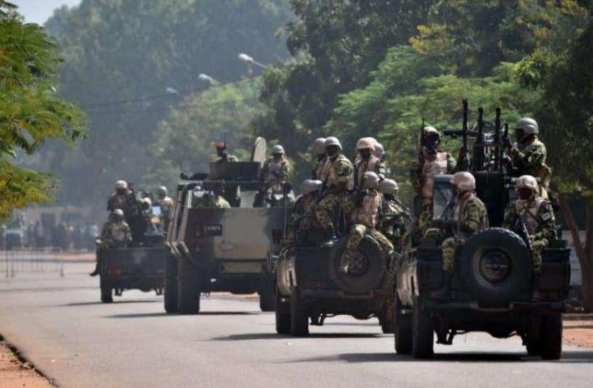 इस्लामिक आतंकियों के हमले में 12 लोगों की मौत, 28 घायल