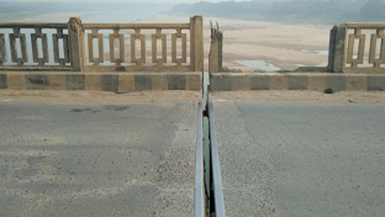 चंबल पुल की नहीं हो पा रही मुकम्मल मरम्मत