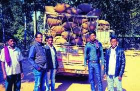 खाद्य अधिकारी ने आधी रात कर्मचारियों को लगाया वाहनों की जांच में, फिर जो खुलासा हुआ..