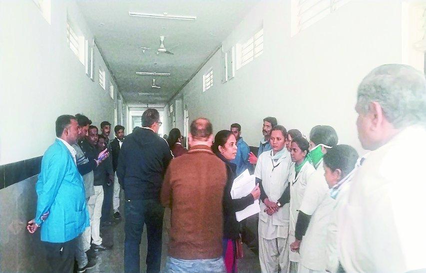 कायाकल्प टीम ने सरकारी अस्पताल का निरीक्षण कर देखी व्यवस्थाएं