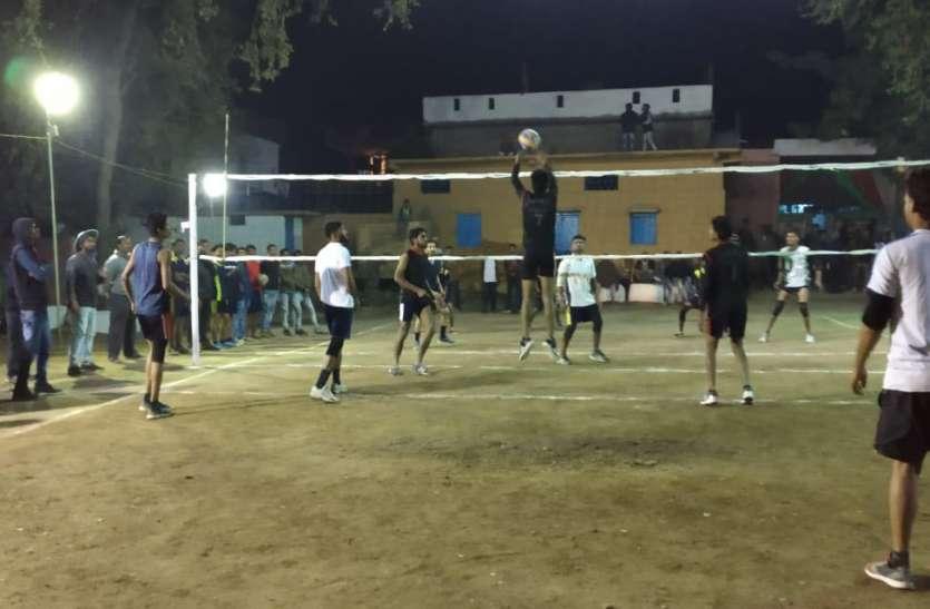 कड़े मुकाबले के बीच देवरी के खिलाडिय़ों ने जीता मैच