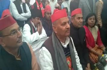 सपा प्रदेश अध्यक्ष को कहना पड़ा - समाजवादी पार्टी मंदिर निर्माण के विरोध में नहीं, देखें वीडियो