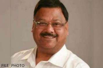 भाजपा नेता  को श्रद्धांजलि देने उमड़े लोग, देखें वीडियो