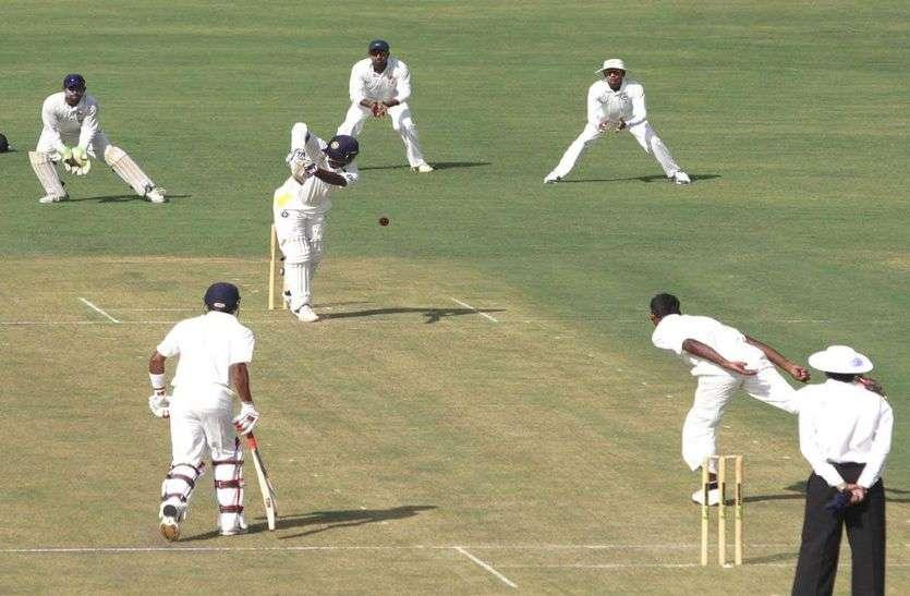 रणजी ट्रॉफी : इन आठ टीमें भिड़ेंगी क्वार्टर फाइनल में, इनके हैं अगले राउंड में पहुंचने की उम्मीद