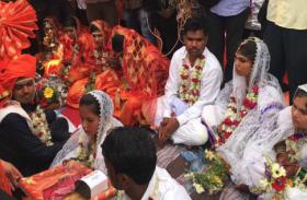 पंडित ने बाप-बेटे के लिए एक साथ पढ़ा शादी का मंत्र, आशिर्वाद देने पहुंचे मंत्री जी