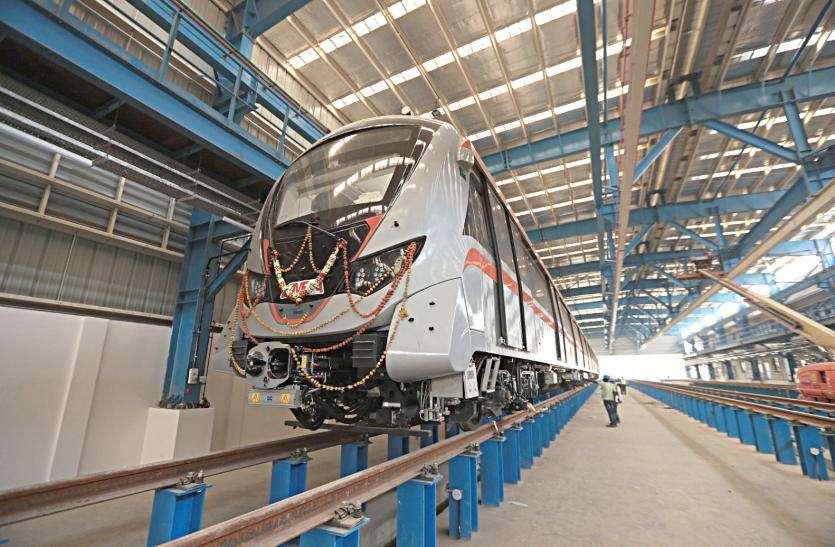 मार्च से मेट्रो ट्रेन दौडेगी पटरी पर