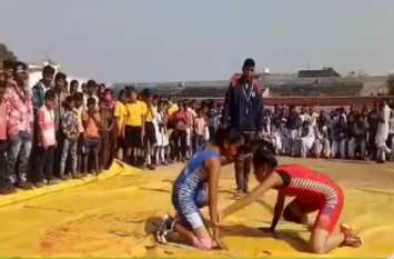 Video Gallery: दो दिवसीय अंतरशालेय बालिका प्रोत्साहन खेल स्पर्धा शुरू