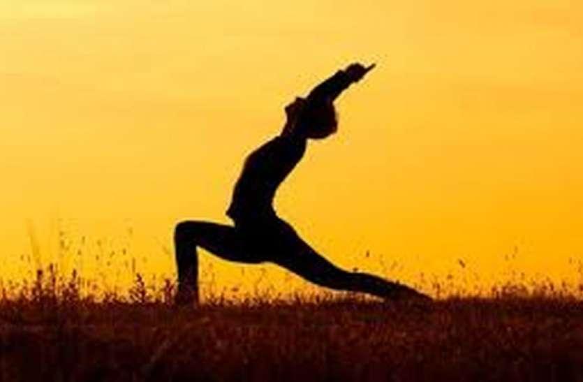 सूर्य नमस्कार दूर कर सकता है बच्चों का मोटापा कम