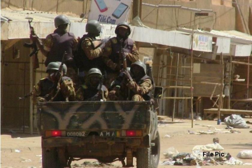 दो गांंवों को आतंकियों ने बनाया निशाना, अबतक  20 की मौत