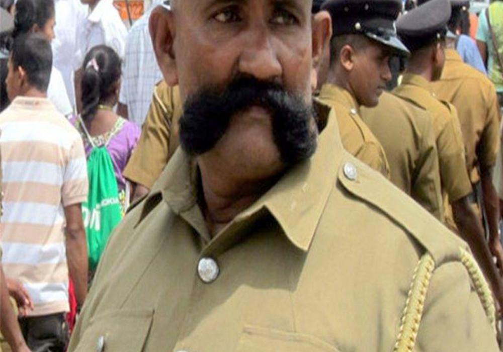 मूंछे रखने के शौकीन पुलिसवालों के लिए सीएम योगी का बड़ा ऐलान, महकमे में खुशी का माहौल