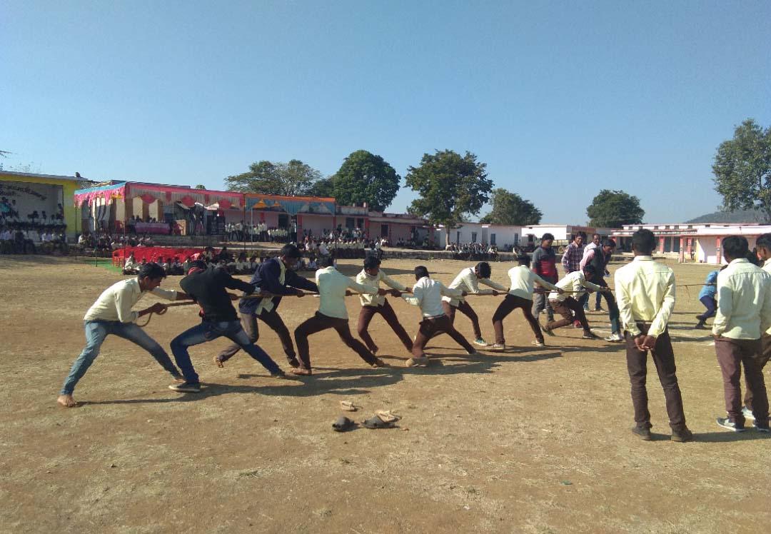 आनंद उत्सव के तहत खेल प्रतियोगिताओं का हुआ आयोजन