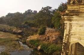 रखरखाव के आभाव में बदहाल हो रहा यहां पर पर्यटन स्थल