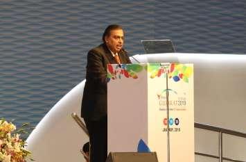 अंबानी ने कहा, डाटा उपनिवेशवाद के खिलाफ कदम उठाएं प्रधानमंत्री