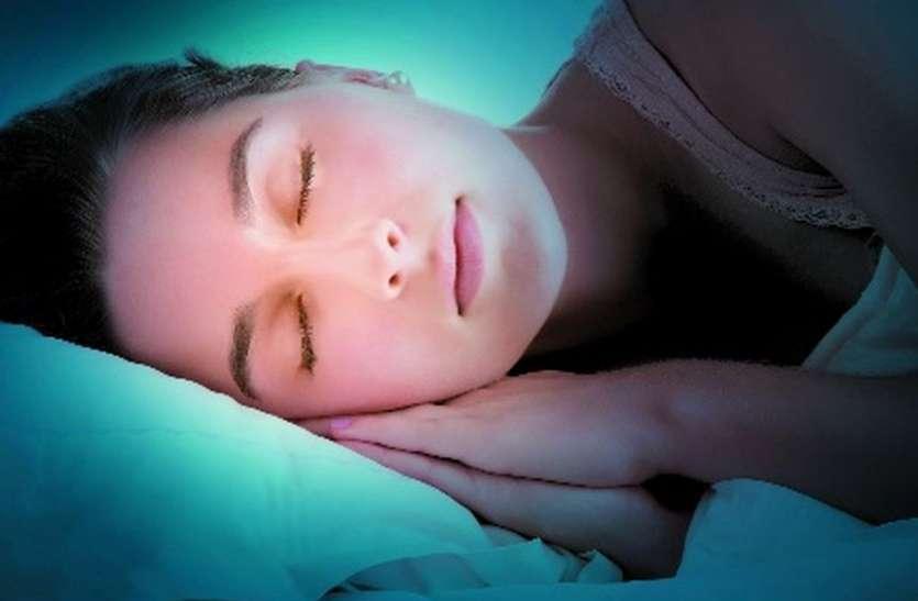क्या आप जानते हैं, सोते समय शरीर क्या करता है?