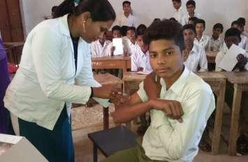 प्रथम दिन 33020 बच्चों को लगाया गया टीका