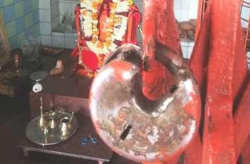 मंदिर में फिर टूटी दानपेटी