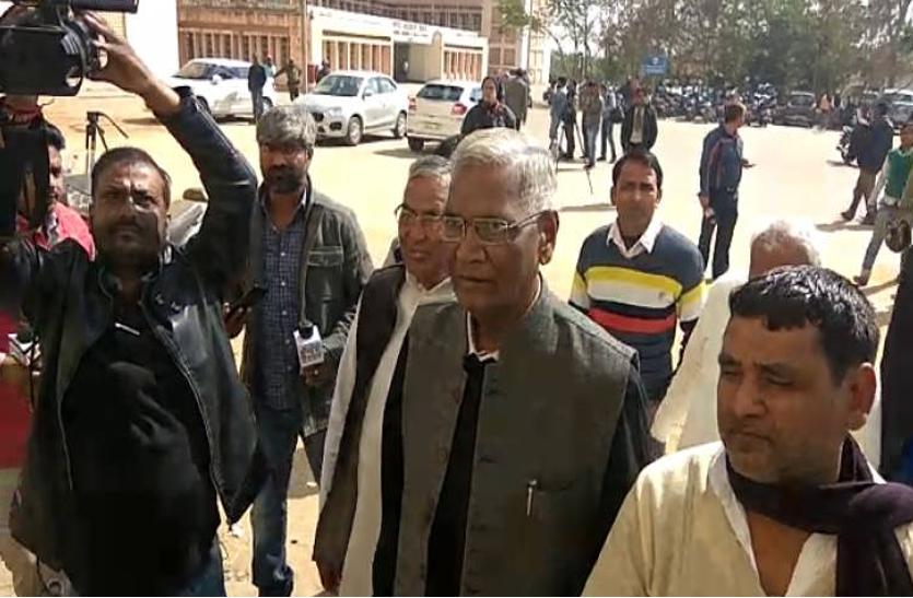 डी.राजा,कांति सिंह व संतोष मांझी ने की लालू प्रसाद से मुलाकात,बिहार के राजनीतिक हालात पर हुई चर्चा