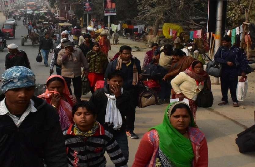 कुंभ में पौष पूर्णिमा से पहले श्रदालुओं की भारी भीड़, चारों दिशाओं से प्रयाग पहुंच रहे लोग