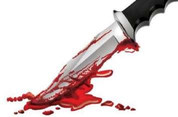 पुलिस इंस्पेक्टर की पत्नी-भाई और नौकरानी की हथौड़े से कुचलकर फिर गला रेत कर हत्या