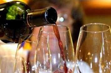 योगी सरकार ने शराब के शौकीनों को दिया बड़ा झटका, खरीदने से पहले जान ले कितनी महंगी हुर्इ बोतल
