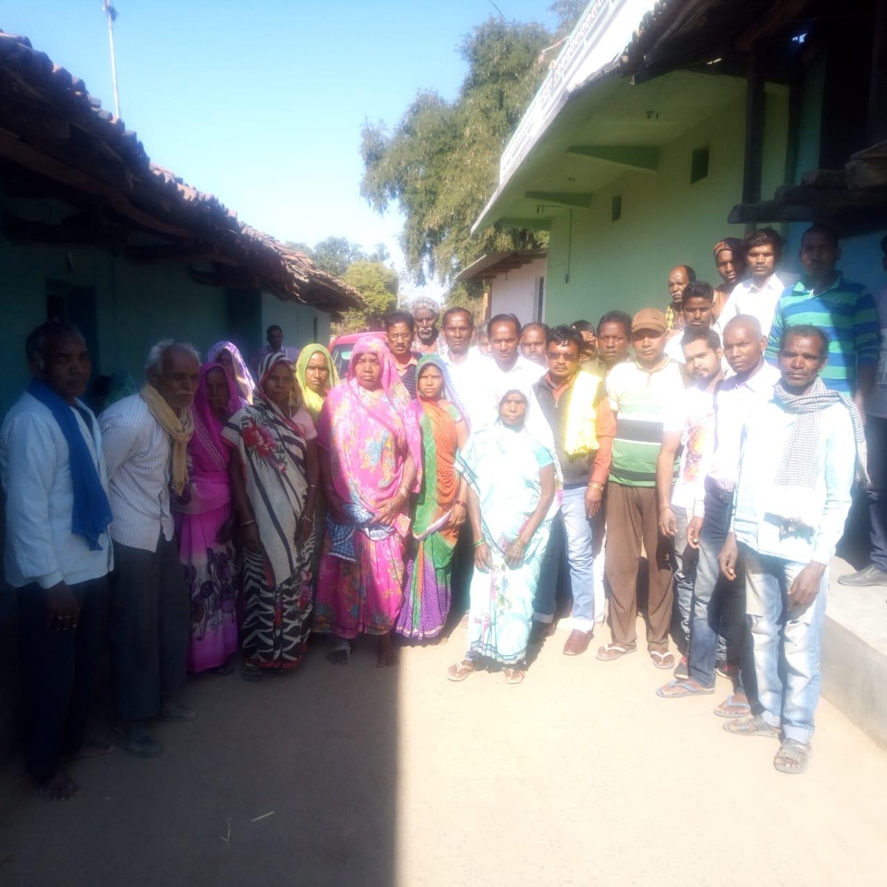 कॉलरी भू-प्रभावित किसानों ने बुलाई बैठक, 25 जनवरी को एसडीएम व कॉलरी के साथ बातचीत करने लिया निर्णय