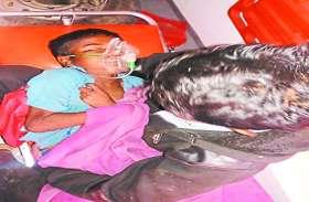 खेल-खेल में बच्चे ने निगल ली ऐसी चीज की सभी के उड़ गए होश, एंबुलेंस कर्मचारी ने बचाई जान