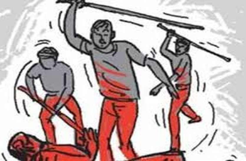 VIDEO: पावटा चार अज्ञात लोगों ने किया में व्यापारी पर हमला
