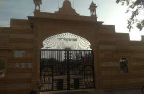 जोगीदास धाम में राणी भटीयाणी मंदिर से लाखों रूपए के आभूषण व नकदी चोरी,सीसीटीवी कैमरे में क़ैद हुई वारदात