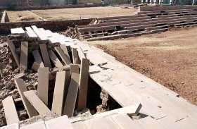 पोकरण में स्टेडियम से हटाई जा रही है क्षतिग्रस्त पट्टियां ,जानिए पूरी खबर