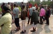 खाद के गड्ढे पर अवैध निर्माण को लेकर ग्रामीणों ने किया जमकर हंगामा