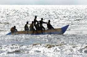 समुद्र में नाव पलटने से ८ की मौत, कई लापता