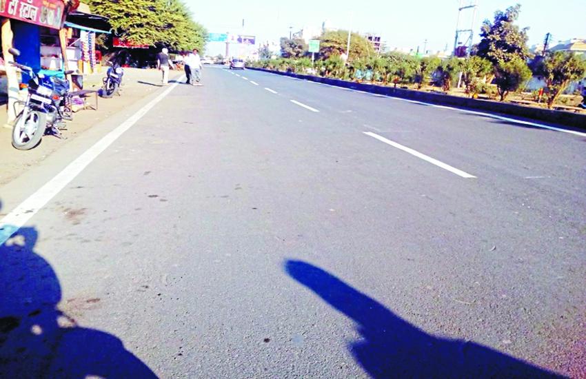 शहर में 40 फीसदी सड़कों पर मार्किंग नहीं, फिर कहां खर्च हुए सालभर में 30 लाख रुपए
