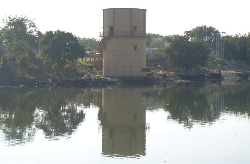 चरौदा को पानी सप्लाई तय नहीं, खारुन नदी का नया इंटेकवेल सूखा