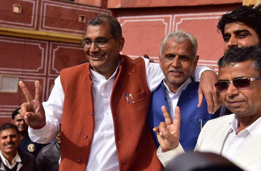 विष्णु लाटा बने जयपुर के नए महापौर, एक वोट से मिली जीत, भाजपा पर भारी पड़ा आखिरी मत