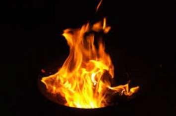 जामुडिय़ा बाजार में आग लगी, 10  दुकानें जलकर राख