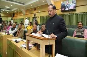 झारखंड: सीएम रघुबर दास ने पेश किया 85,429 करोड़ रुपए घाटे का बजट