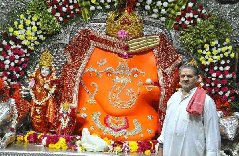 गणेश मंदिर भीड़