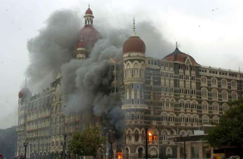 पाकिस्तान की अदालत ने मुंबई हमले की सुनवाई अस्थाई रूप से रोकी