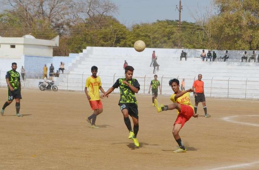 video फुटबॉल स्पर्धा के हुए क्वार्टर फायनल मैच