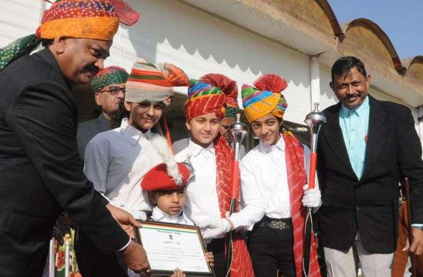 गणतंत्र दिवस पर इनका हुआ सम्मान, देखें तस्वीरें...