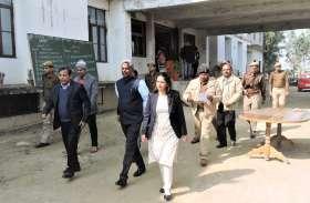 शांतिपूर्ण सम्पन्न हुई पुलिस भर्ती परीक्षा, दोनों पलियों मेें डीएम-एसपी ने लिया परीक्षा केन्द्रों का जायज