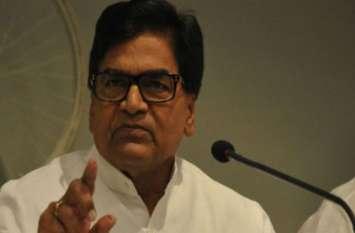 शिवपाल के फिरोजाबाद से चुनाव लड़ने को लेकर रामगोपाल यादव ने दिया बड़ा बयान, बोले यहां तो...
