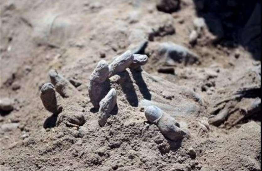 कांगो: दो दिन में हुई थी 890 मौत, अब बरामद हुई 50 सामूहिक कब्रें
