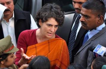 प्रियंका के आने के बाद पूर्व केंद्रीय मंत्री के बजाए इस नए चेहरे पर दांव लगाएगी कांग्रेस! हुआ बड़ा उलटफेर